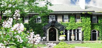 Glendon Hall Manor
